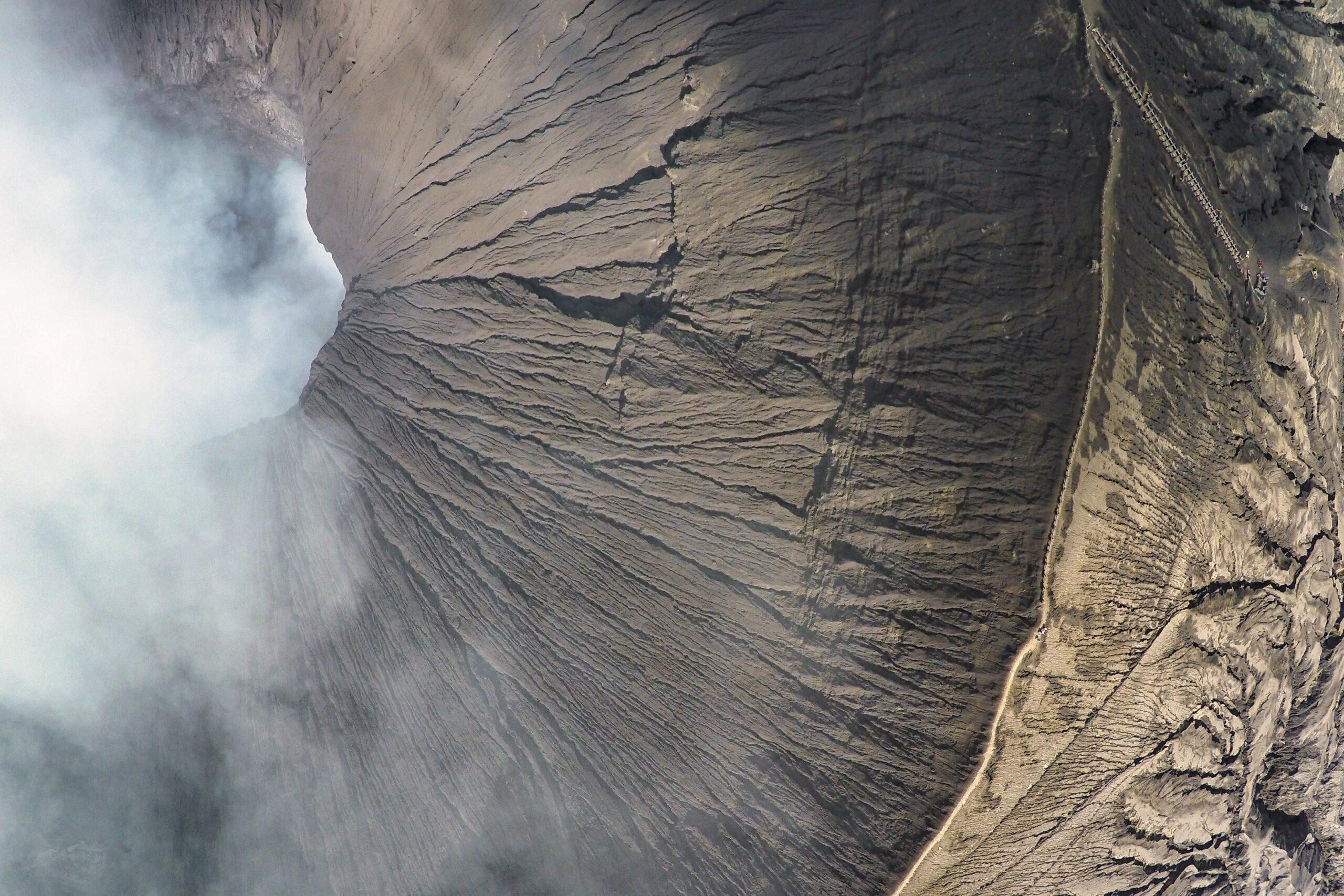 Der Vulkan Bromo auf Java in Indonesien aufgenommen mit der DJI Phantom 2 und einer GoPro Hero 4 Blac