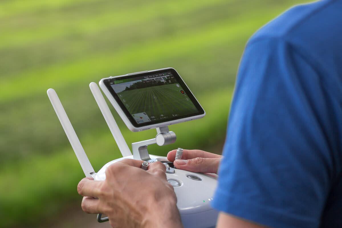 Fernsteuerung der DJI Phantom 4 mit Monitor