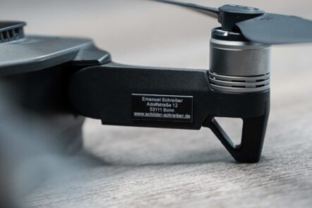 Drohnen Plakette und Kennzeichen