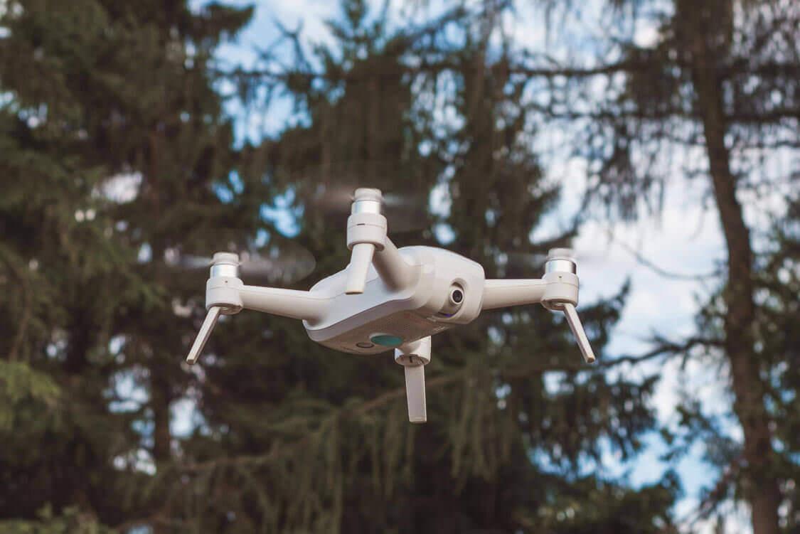Die Yuneec Breeze 4K Drohne im Flug